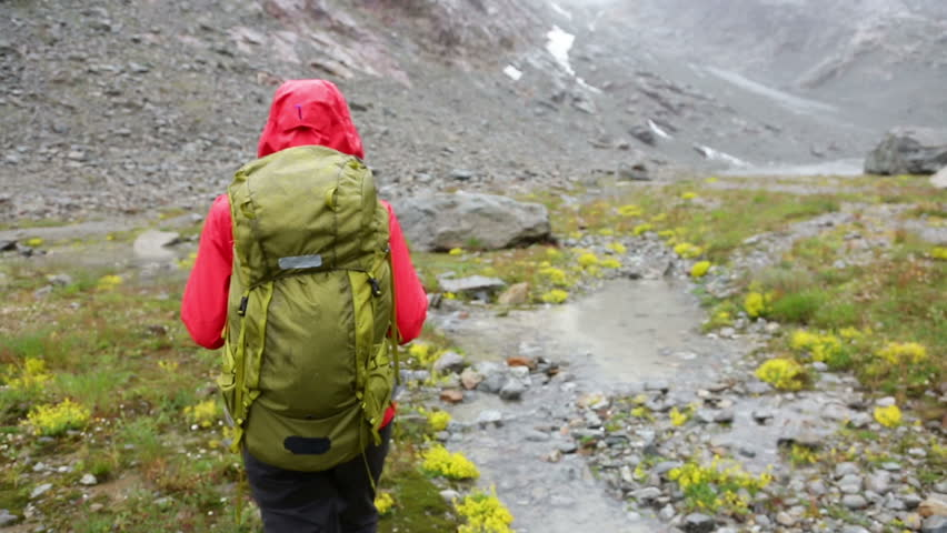 10 Tips For Rainy Backpacking